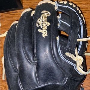 Brand new never used Rawlings Heart of The Hide